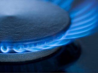 Στο εμπόριο διατίθενται κουζίνες φυσικού αερίου, αντίστοιχες μ΄ αυτές που λειτουργούν με ηλεκτρικό ρεύμα. Διαφέρουν όμως από αυτές γιατί οι κουζίνες φυσικού αερίου αποδίδουν άμεσα θερμότητα χωρίς να χρειάζεται προθέρμανση το γυμνών εστιών. (Φωτογραφία: pinnacleplumbing.com.au)